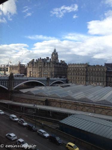 dalla finestra dell'hotel a Edimburgo