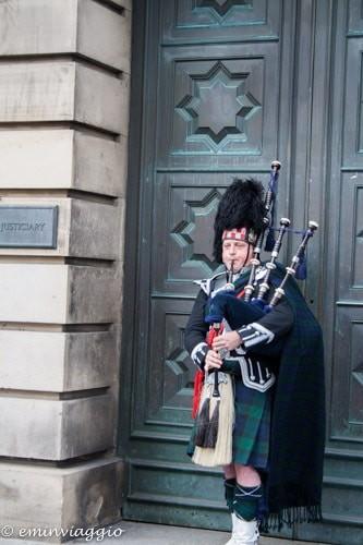 Edimburgo in settembre suonatore di cornamusa