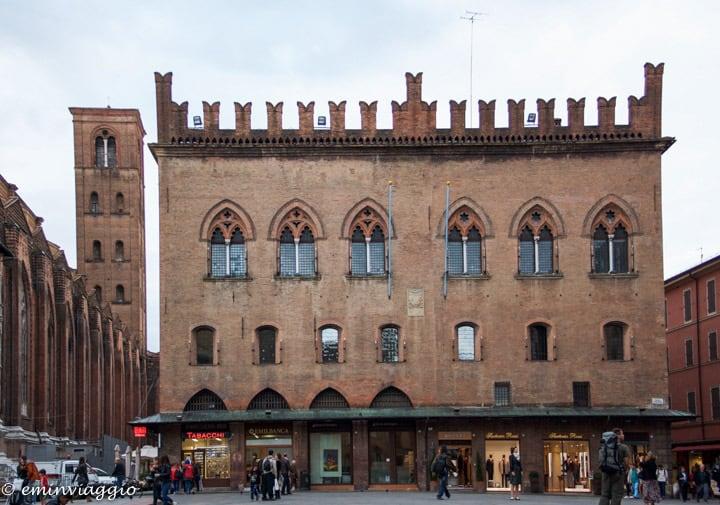 Bologna-palazzo-dei-notai