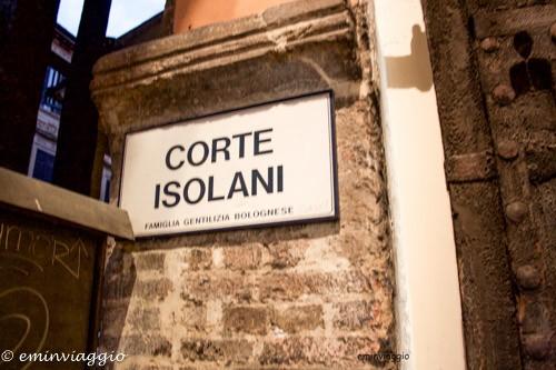 Bologna-corte-isolani