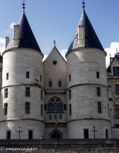 Parigi-la-conciergerie