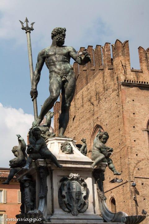 Bologna-Statua-del-Nettuno