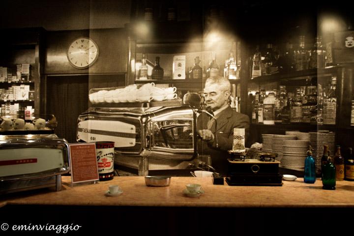 mostra un caffè da Ernesto