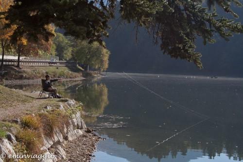 Il pescatore sul lago di Canzolino