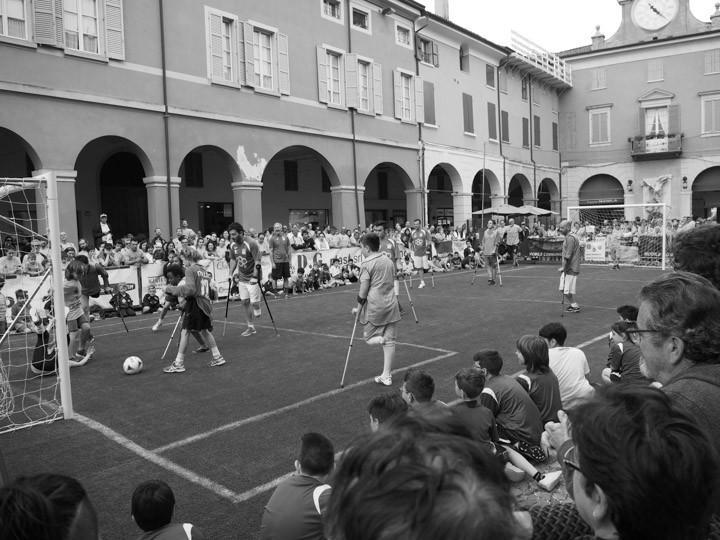 Francesco Messori il campo di calcio in centro storico