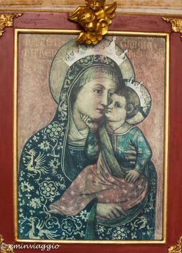 Mantova dall'acqua l'immagine della Madonna delle Grazie
