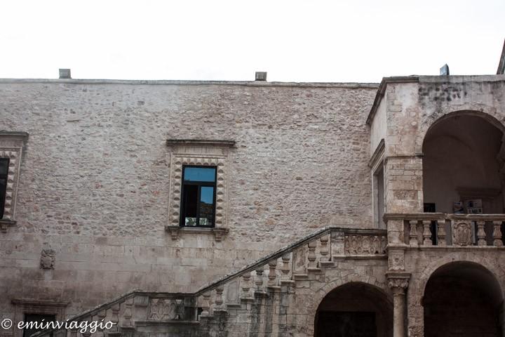 nel cuore della Puglia Ceglie Messapica l'interno del castello