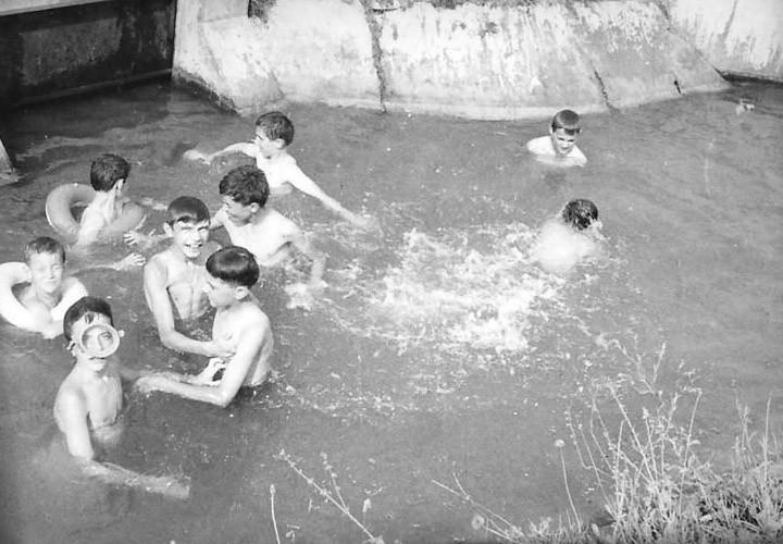 correggio via carletti la piscina dei piccoli