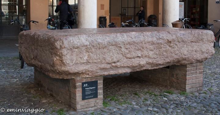 Modena la pietra ringadora
