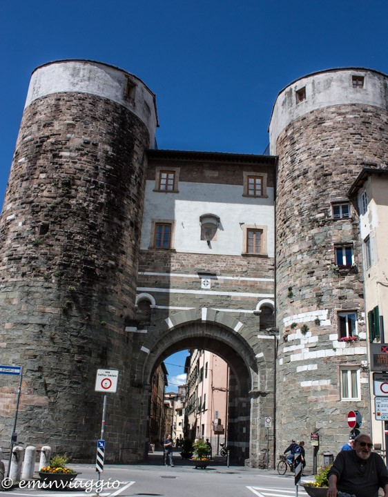 Lucca Porta San Gervasio