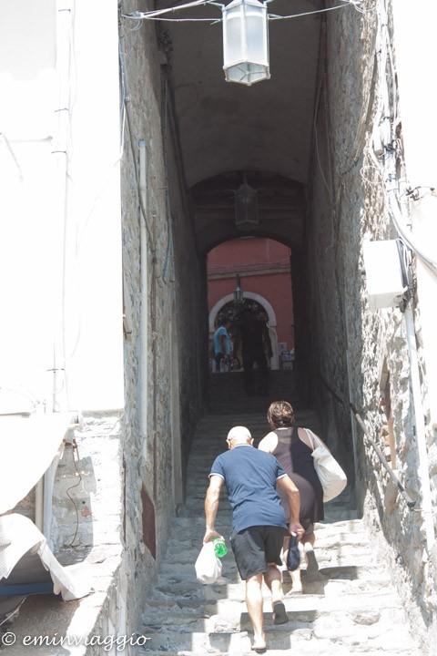 la scalinata di Portovenere