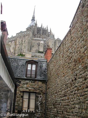 Mont Saint Michel ai piedi dell'Abbazia