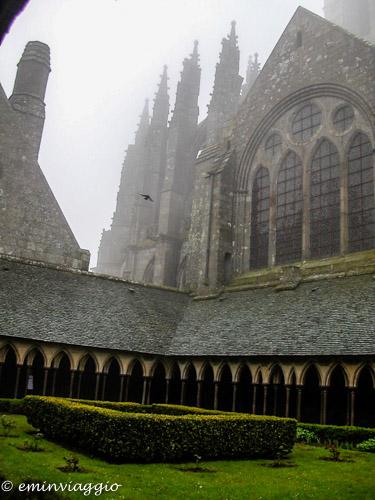 Mont Saint Michel esterno del chiostro