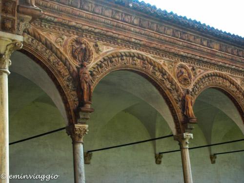 Certosa di Pavia particolare del chiostro