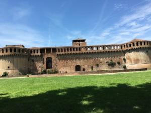 IMOLA la Rocca e DOZZA Borgo dipinto