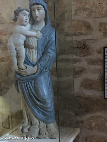Alto Salento Madonna nella grotta del Santuario di Belvedere