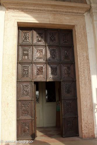 San Benedetto Po il portone della Chiesa Abbaziale